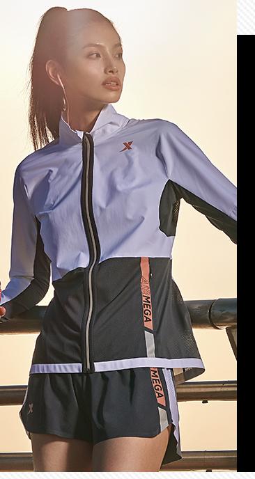 特步马拉松女子跑步风衣