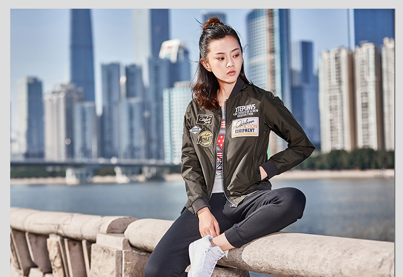 特步 女子双层夹克春季款 都市舒适防风飞行服外套882128129012-