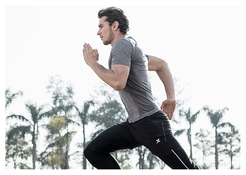 特步 男子运动短袖  2017春夏新品轻便透气弹性跑步健身运动T恤上衣883129019033-