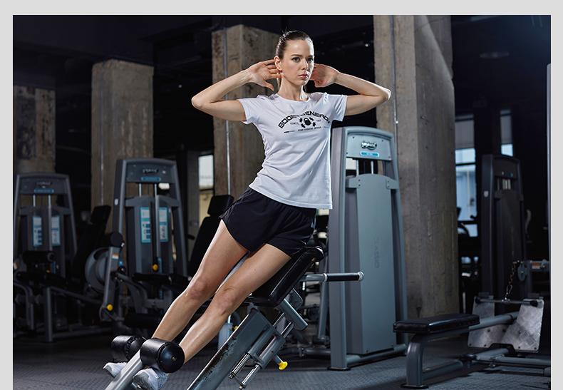 特步 女子短袖 2017新品综训健身轻薄透气时尚字母圆领风格女T恤883228019032-
