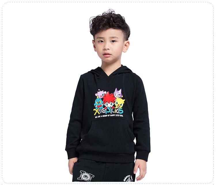 特步 新款男童卫衣 套头连帽舒适 儿童上衣685325050204-